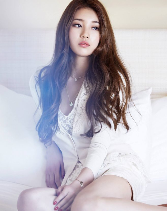 Miss-A-Suzy-Marie-Claire-Magazine-August-Issue-baek-suzy-37347996-1625-2048