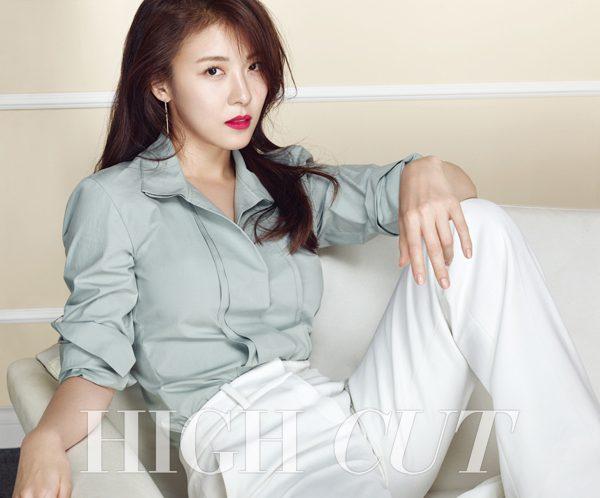 Ha-Ji-Won-2