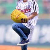 Park-Min-ha-is-at-home-on-the-field_29