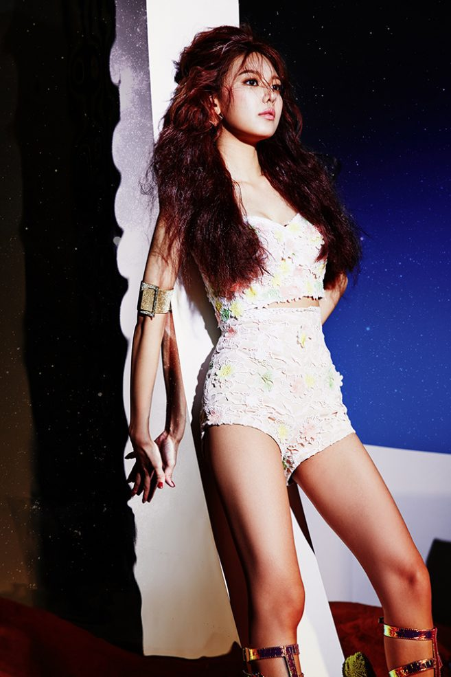 girls-generation-lion-heart-sooyoung