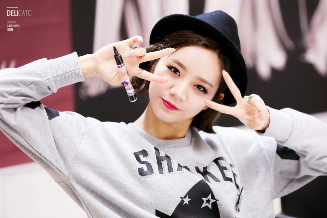 20140305_kfashionista_girlsday_hyeri2