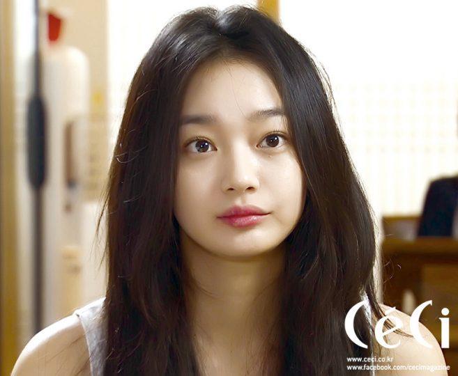 Shin_Min_Ah_1