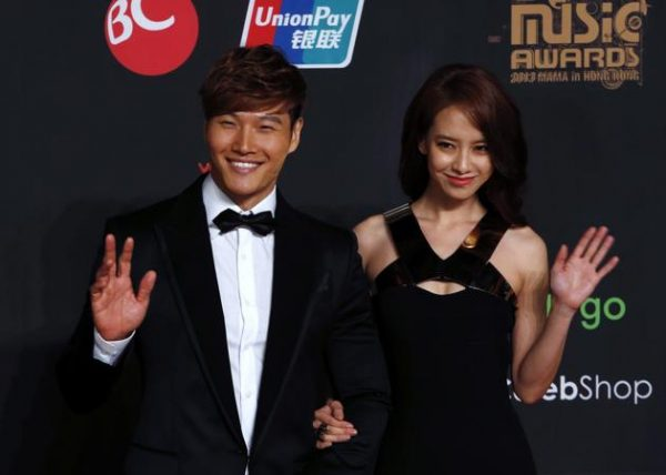 kim-jong-kook-and-song-ji-hyo-at-the-2013-mnet-asian-music-awards