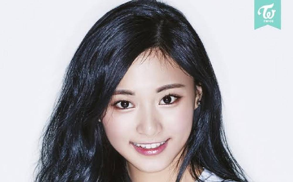 twice-sana-chaeyoung-tzuyu_1461230200_af_org
