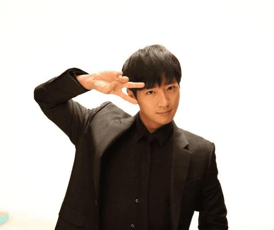 Lee-Sang-Yeob