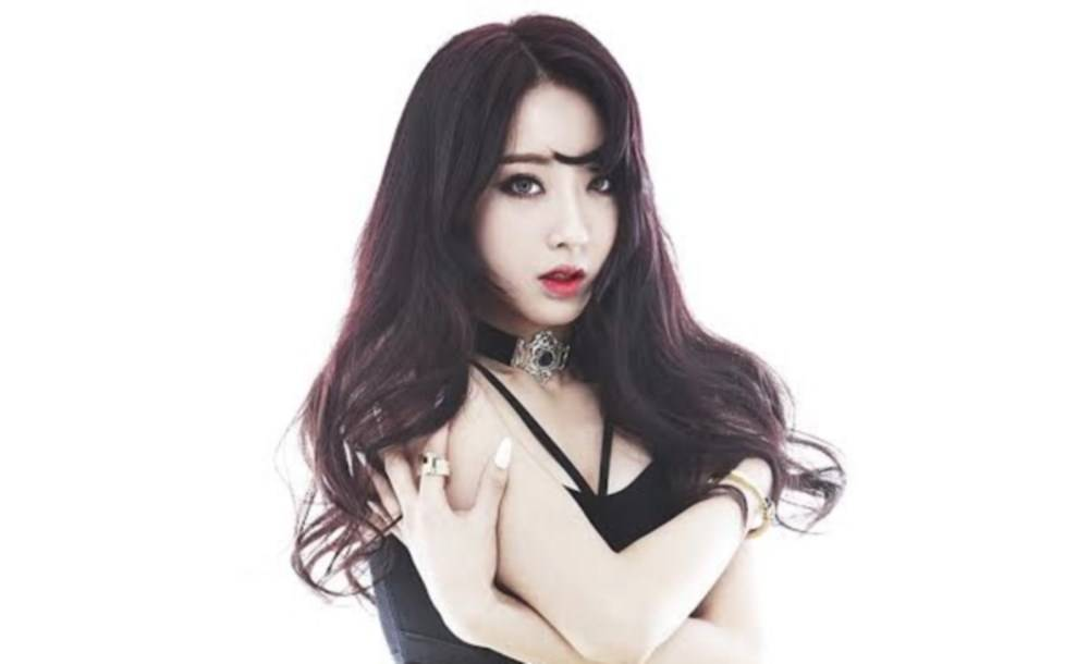 Nine-Muses-Kyung-Li_1470140516_af_org