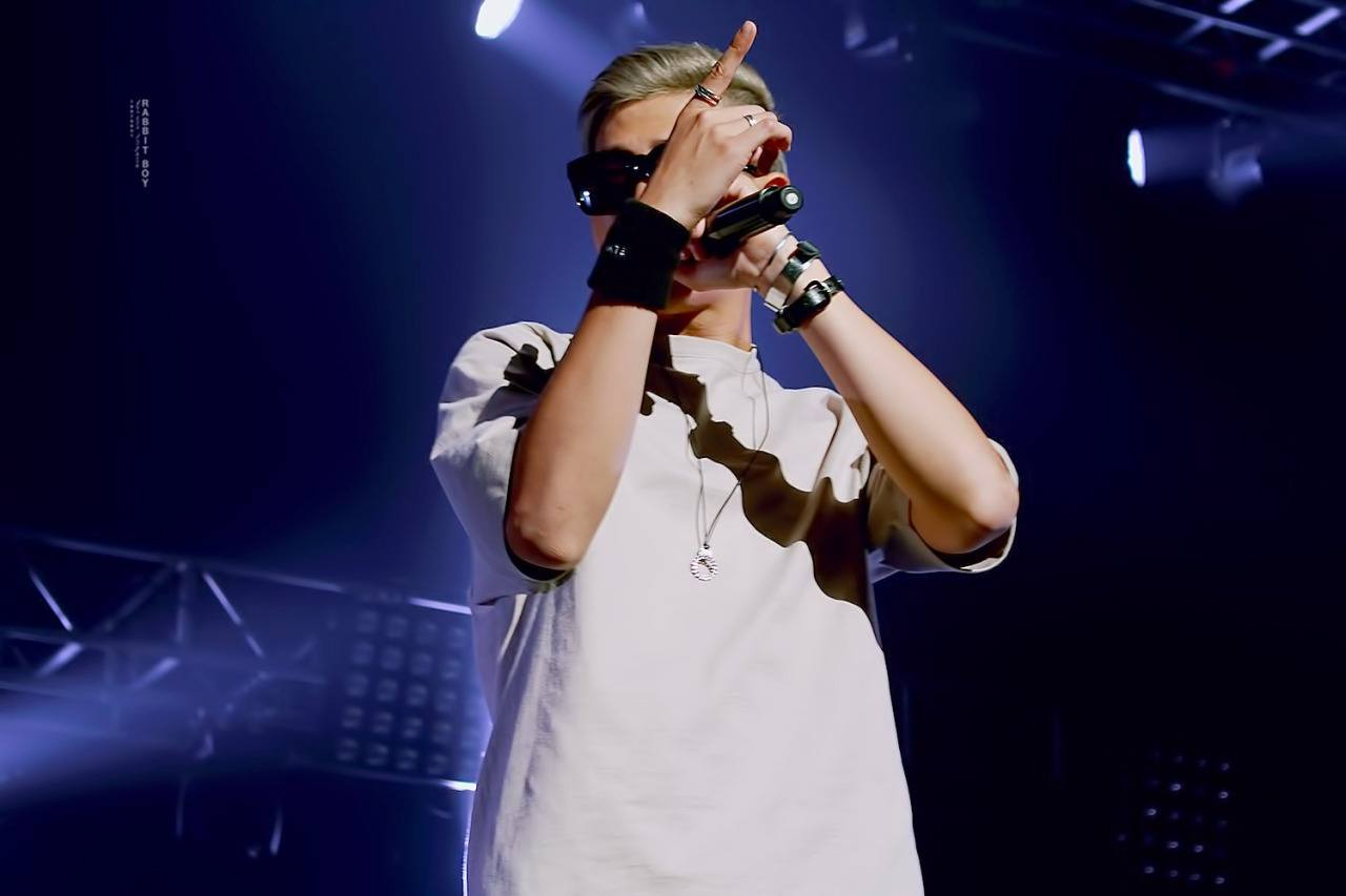rap-monster-on-stage