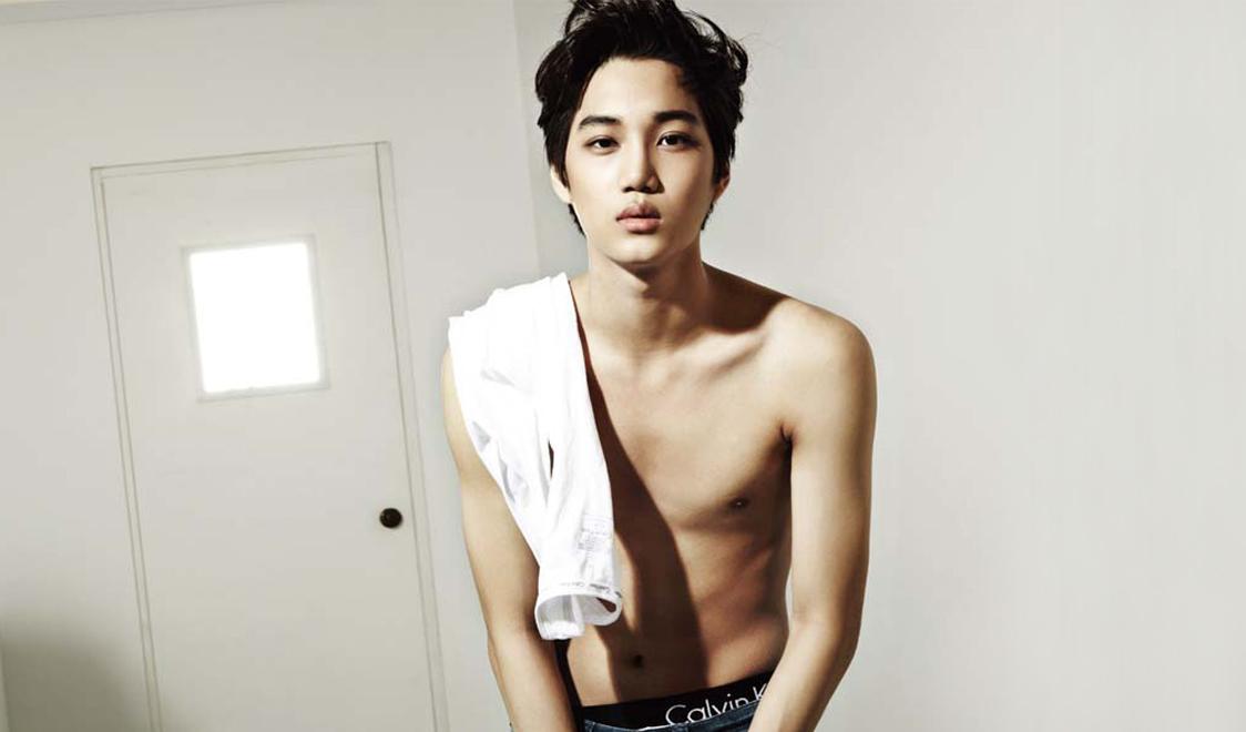 korean-pop-band-exo-k-kai-topless